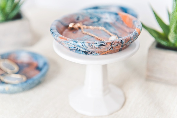 Marbled terracotta ring dish