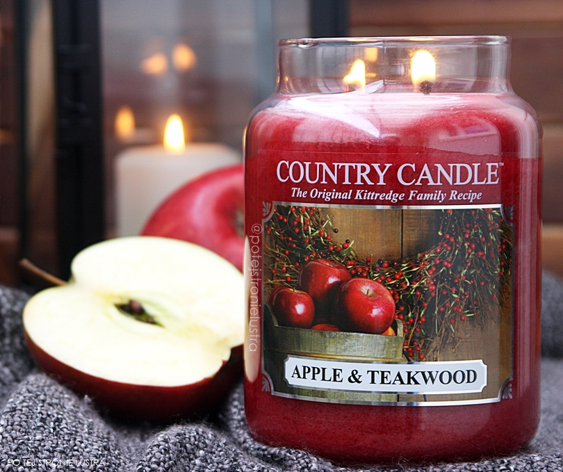 country candle apple & teakwood