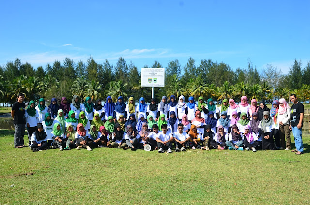 Dokumentasi Kegiatan Kuliah Lapangan Jurusan Biologi Angkatan 2014