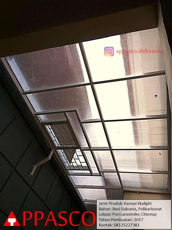Kanopi Skylight Transparan Polikarbonat dengan Ventilasi Udara di Citereup