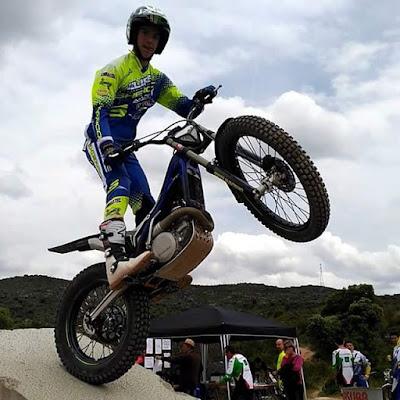 Raúl Guimerá Gasulla , trial, moto, rueda levantada,gaaaas !