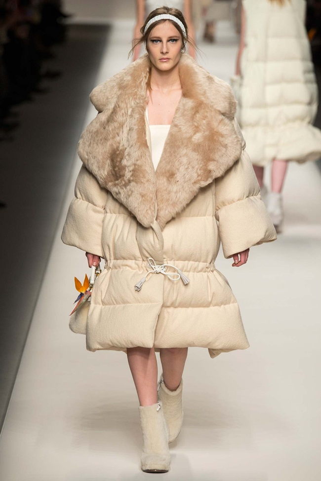 Fendi 2015 AW Oversize Down Jacket With Big Fur Collar on Runway