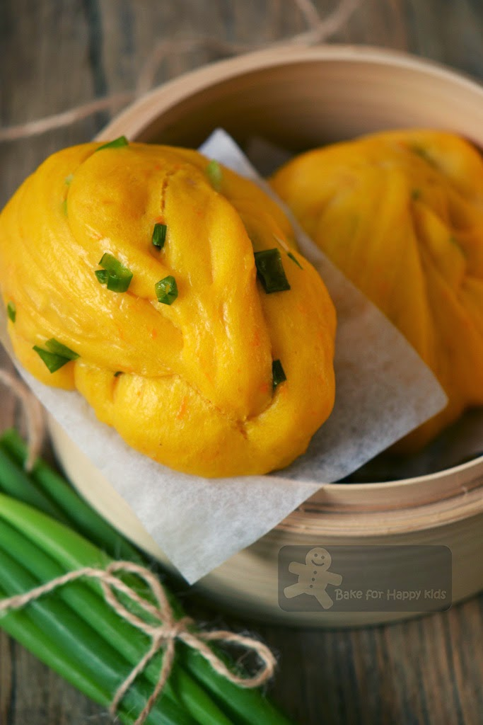 Pumpkin spring onions flower Chinese steamed buns