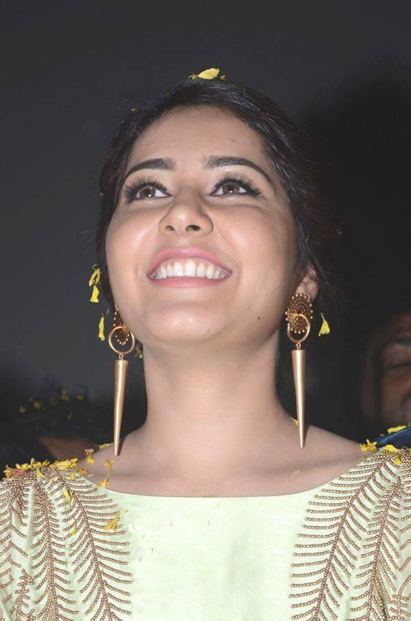 Rashi Khanna Big Teeth Stills