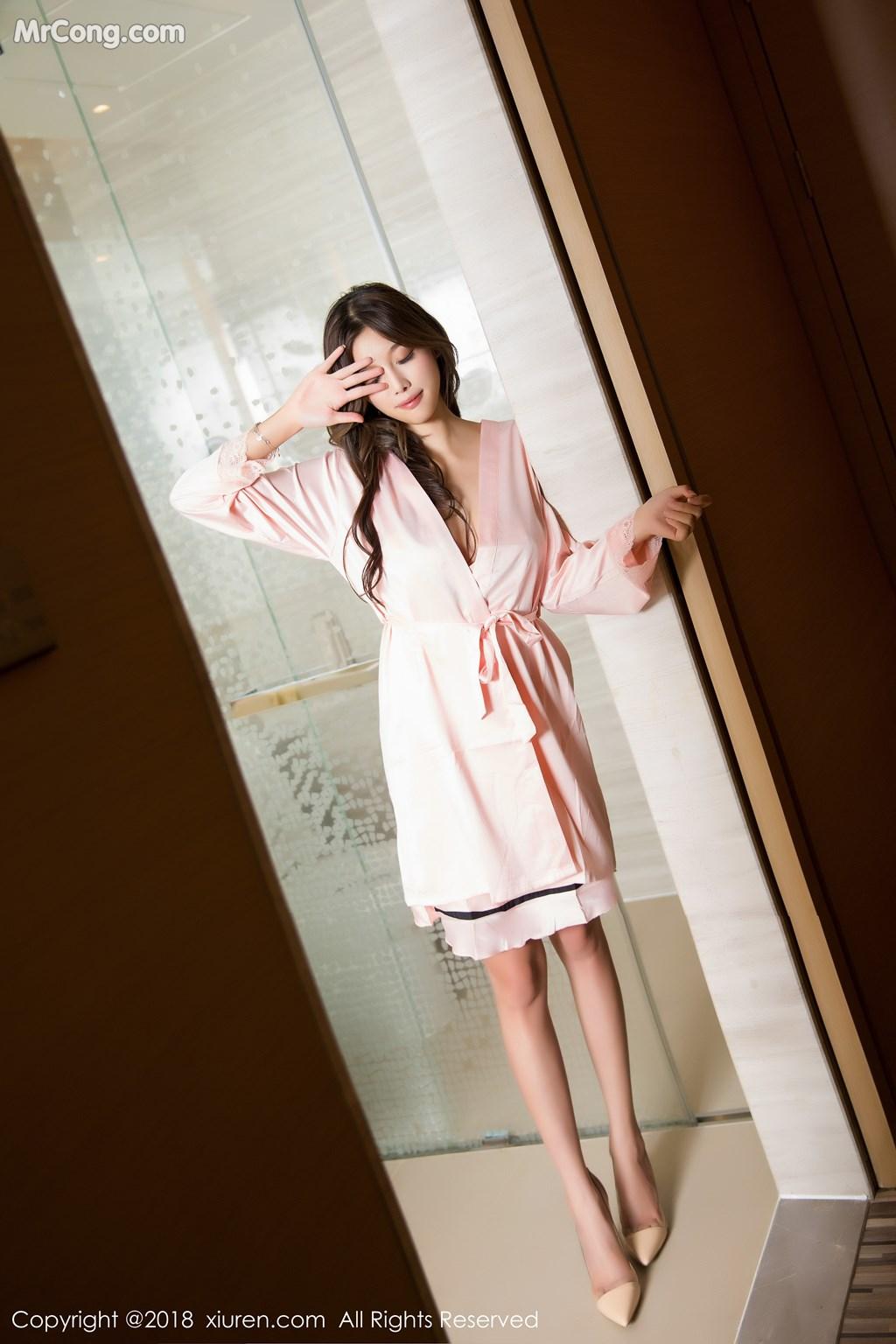 Image XIUREN-No.1208-Yang-Chen-Chen-sugar-MrCong.com-008 in post XIUREN No.1208: Người mẫu Yang Chen Chen (杨晨晨sugar) (56 ảnh)