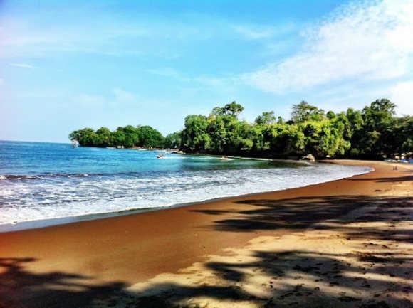 Pantai Batu Karas Pangandaran Yang Tenang