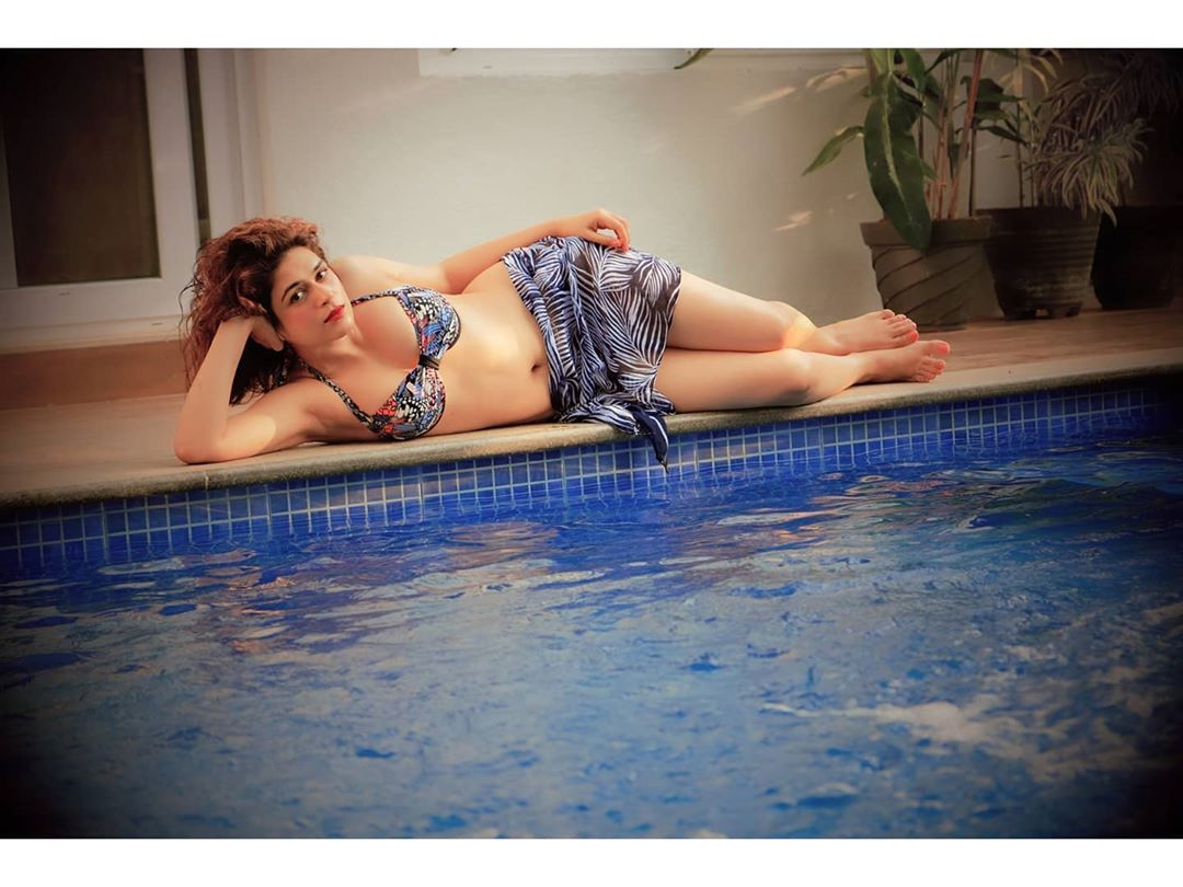 Actress Shraddha Das sizzles in hot bikini photoshoot