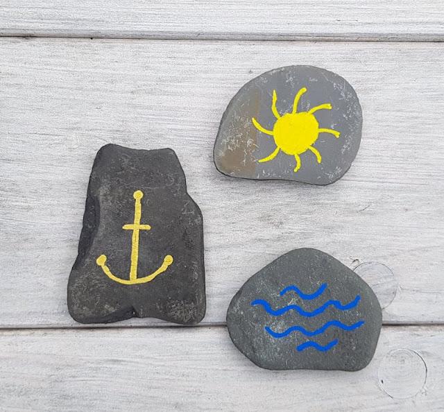 DIY: Ein Steinmemory für Kinder aus bemalten Steinen. Wir haben einfache, maritime Motive für unser Memory-Spiel ausgesucht.