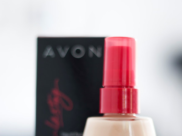 AVON // Extra Long Lasting Make Up