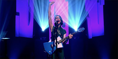 "St. Vincent Struts ""Fast Slow Disco"" on ""Jools Holland"""