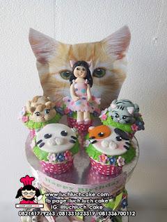 Cupcake Tier Ulang Tahun Tema Binatang Kucing