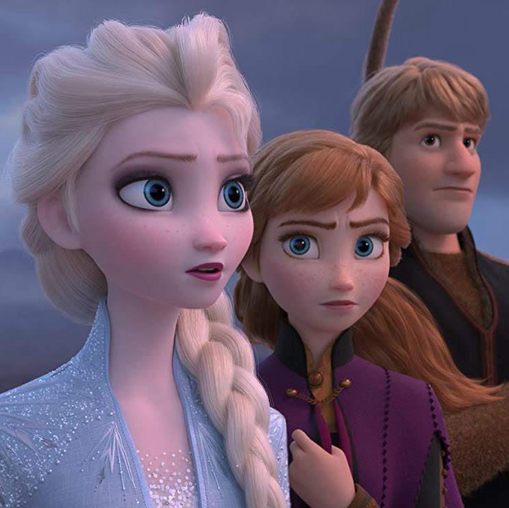 Frozen 2 : アナと雪の女王エルサの姉妹が帰って来るディズニー・アニメ大ヒット作の待望の第2弾「フローズン 2」が、劇的な物語の展開をほのめかして、謎めいたスリリングな予告編を初公開 ! !
