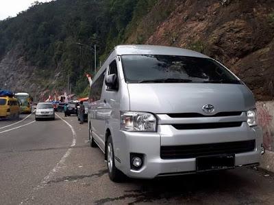 Sewa Mobil HiAce di Padang