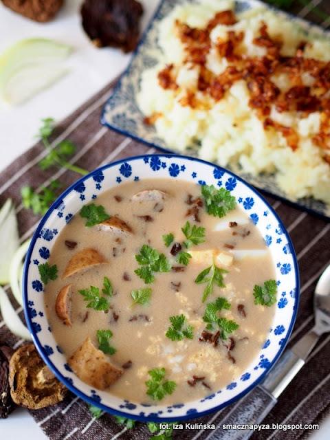 zurek grzybowy, zurek z grzybami, zalewajka grzybowa, zakwas na zur, grzyby, zupa grzybowa, wielkanoc, zupy polskie, obiad