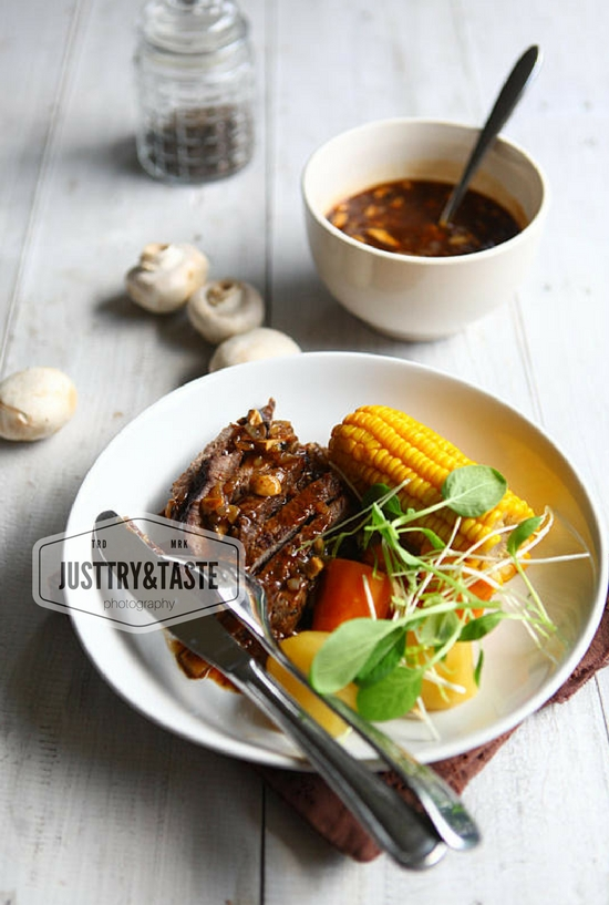 Steak Daging Sapi Saus Jamur