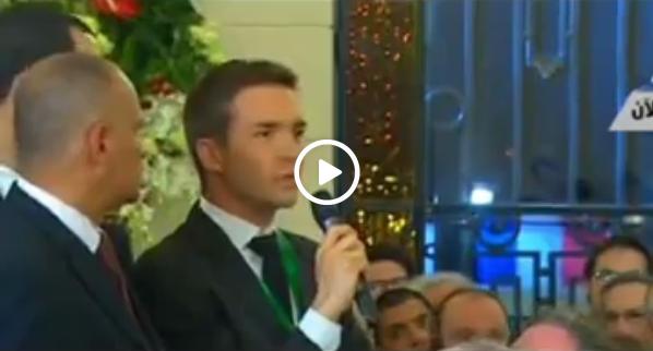فيديو : صحفي فرنسي يحرج السيسي خلال المؤتمر الصحفي مع أولاند