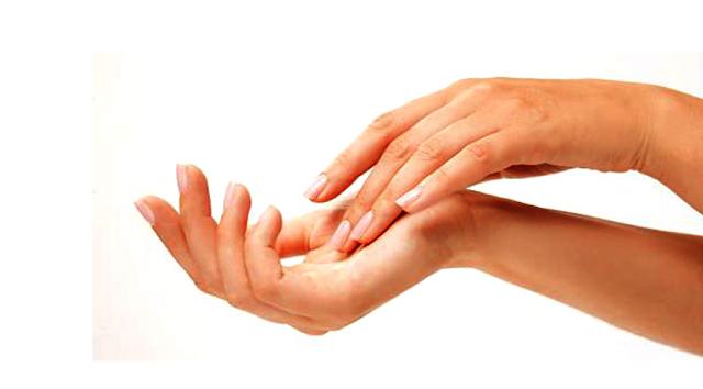 Benarkah Tangan Berkeringat  Berlebihan Identik dengan Penyakit Jantung, Ternyata Ini Kata Dokter