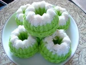 Membuat Resep Kue Putu Ayu Empuk Dan Lembut
