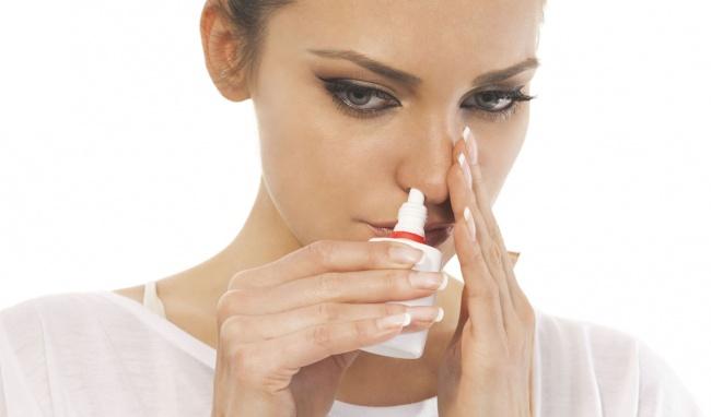 Vệ sinh mũi sạch sẽ làm giảm hiện tượng chảy dịch mũi xuống họng