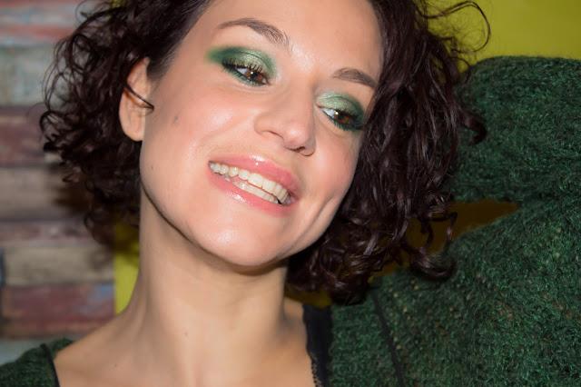 Un make-up vert pour faire ressortir les yeux marrons 💕 | MSC