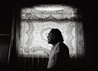 Charles Bukowski - Es raro