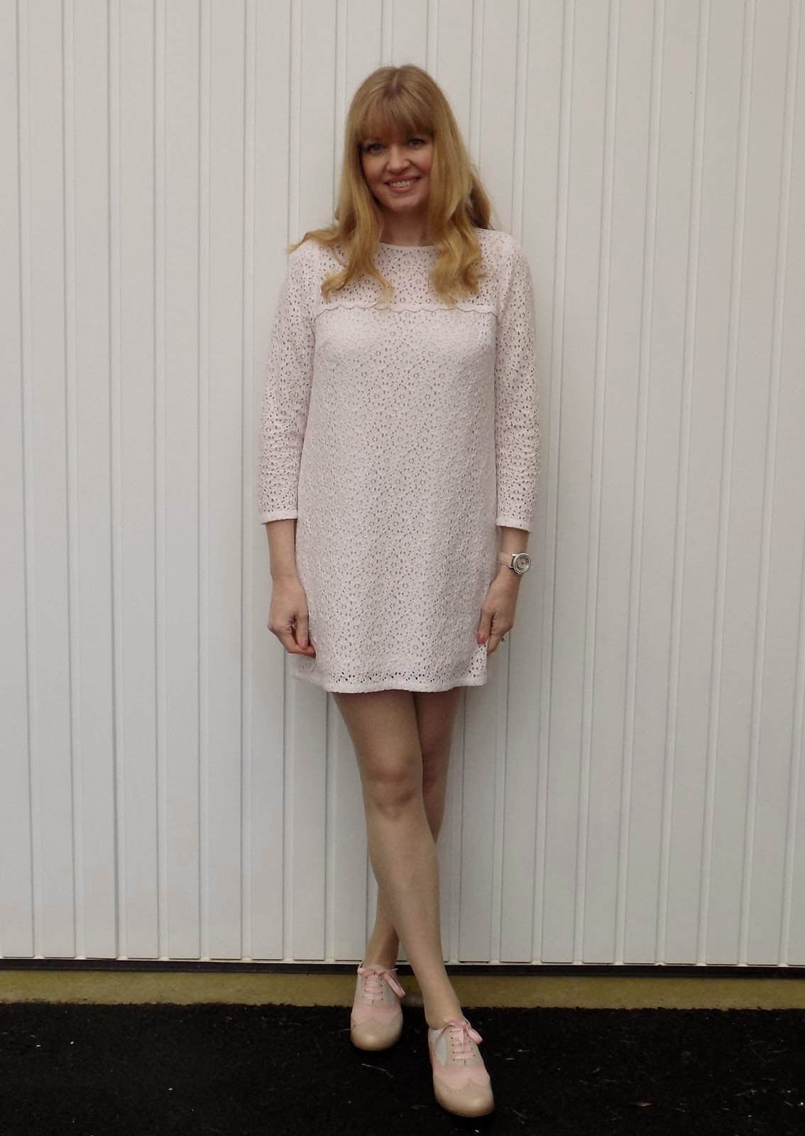 Cream lace shift dress with pink brogues