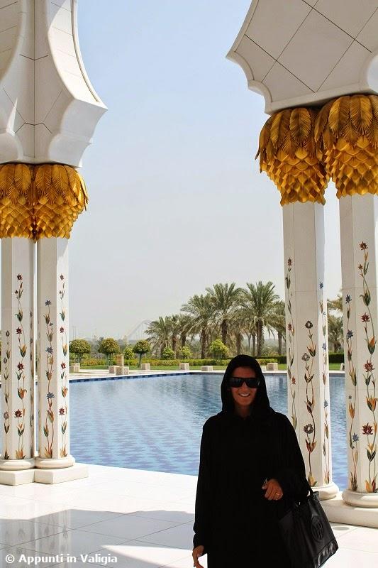 cosa-vedere-abu-dhabi-visitare-moschea