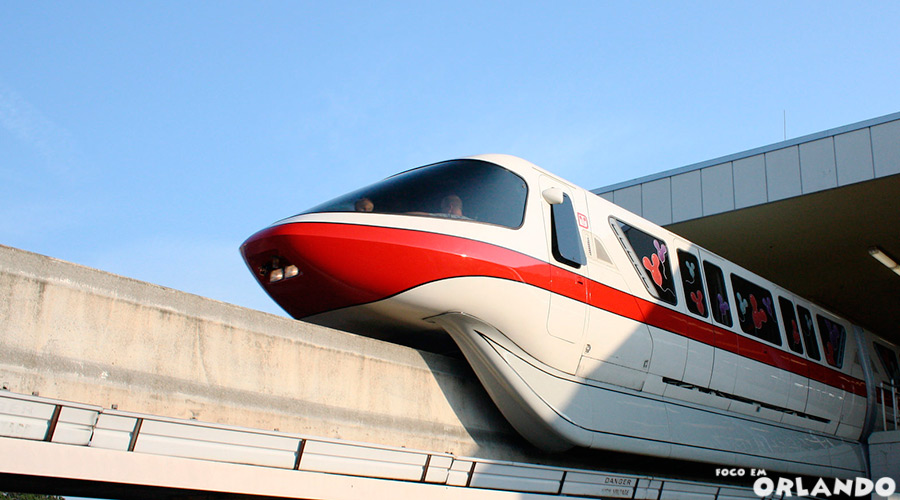 Monorail para o Magic Kingdom