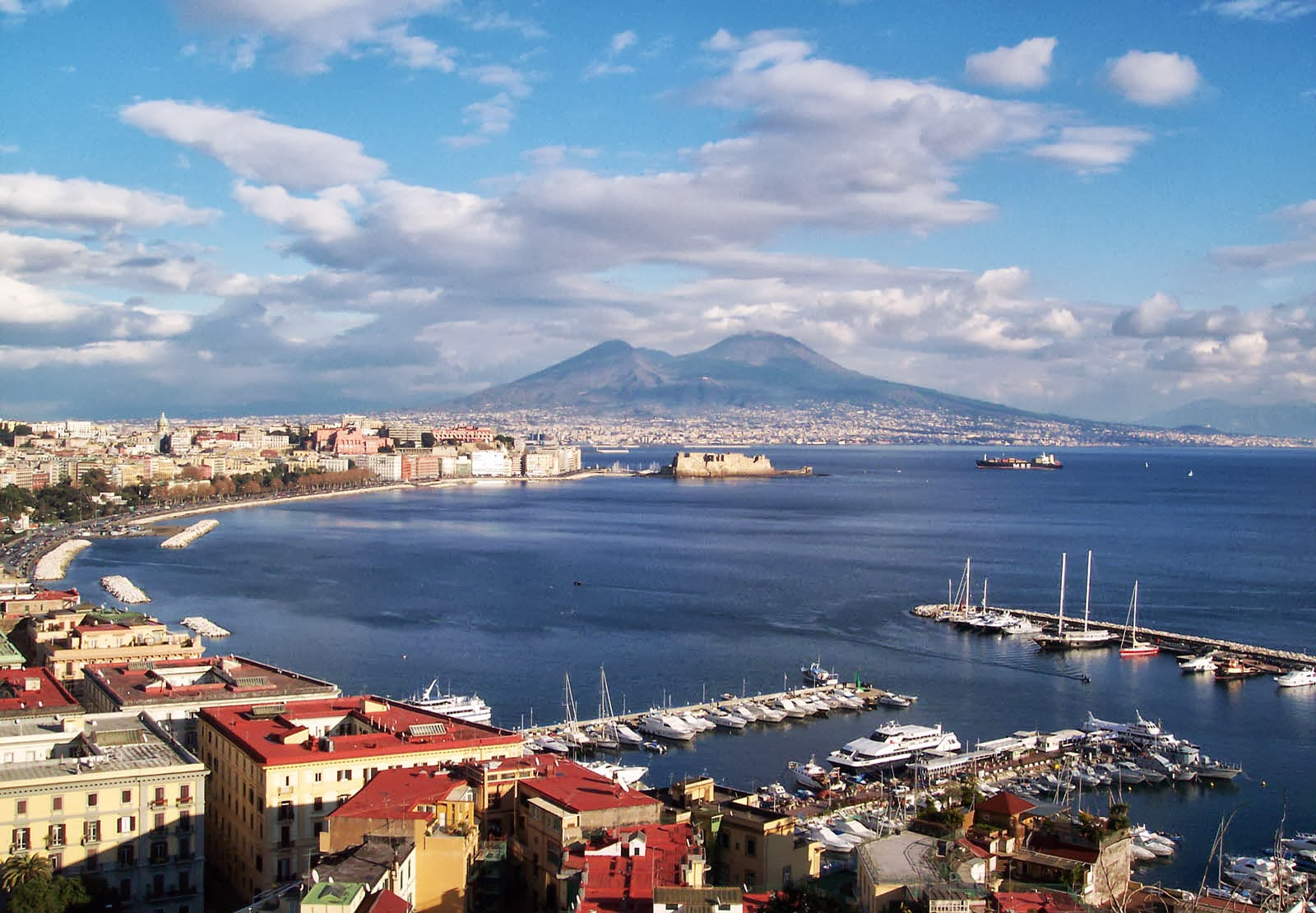 Viva Napoli - Tips to Getting Around Naples - Travelista73