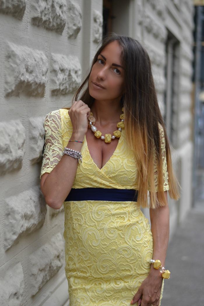 abito giallo elegante