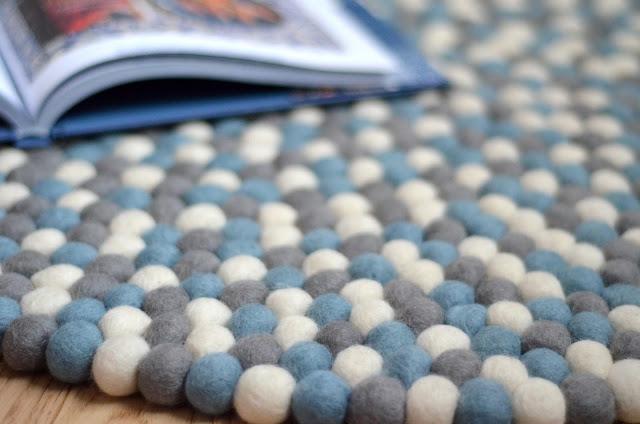 Sukhi tappeto di palline fatto a mano