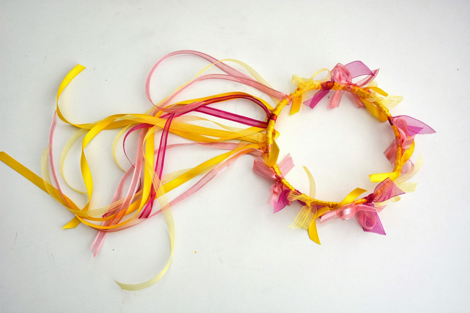 Aesthetic Nest: Craft: Ribbon And Flower Crowns (Tutorial
