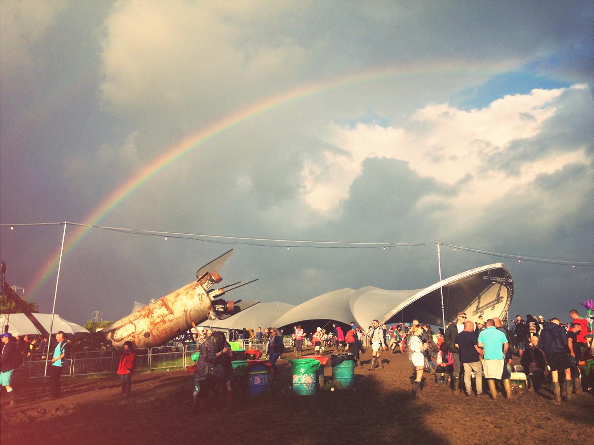 Glastonbury festival, silver hayes, sonic stage, rainbow