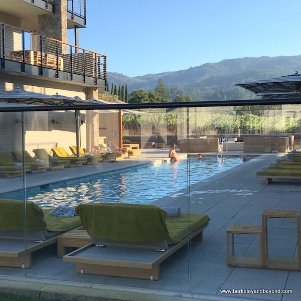 swimming pool at Las Alcobas resort in St. Helena, California