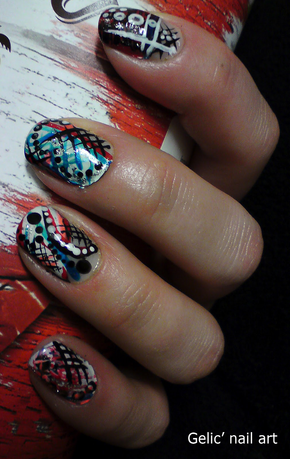 Gelic' nail art: Dots and stripes mix nail art in white ...