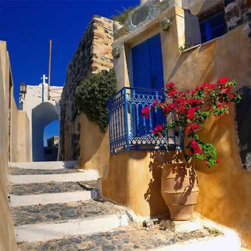 Pyrgos, Santorini - Ioanna's Notebook