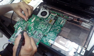 Tempat memperbaiki Laptop di Makassar