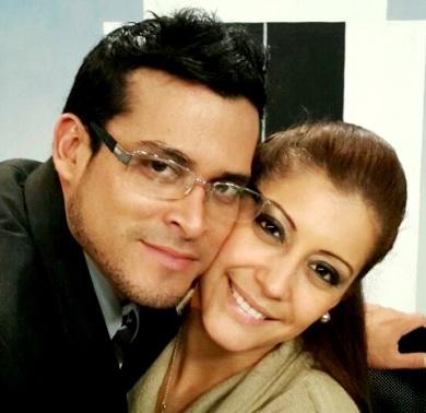 Rostro de cerca de Christian Domínguez y Karla Tarazona