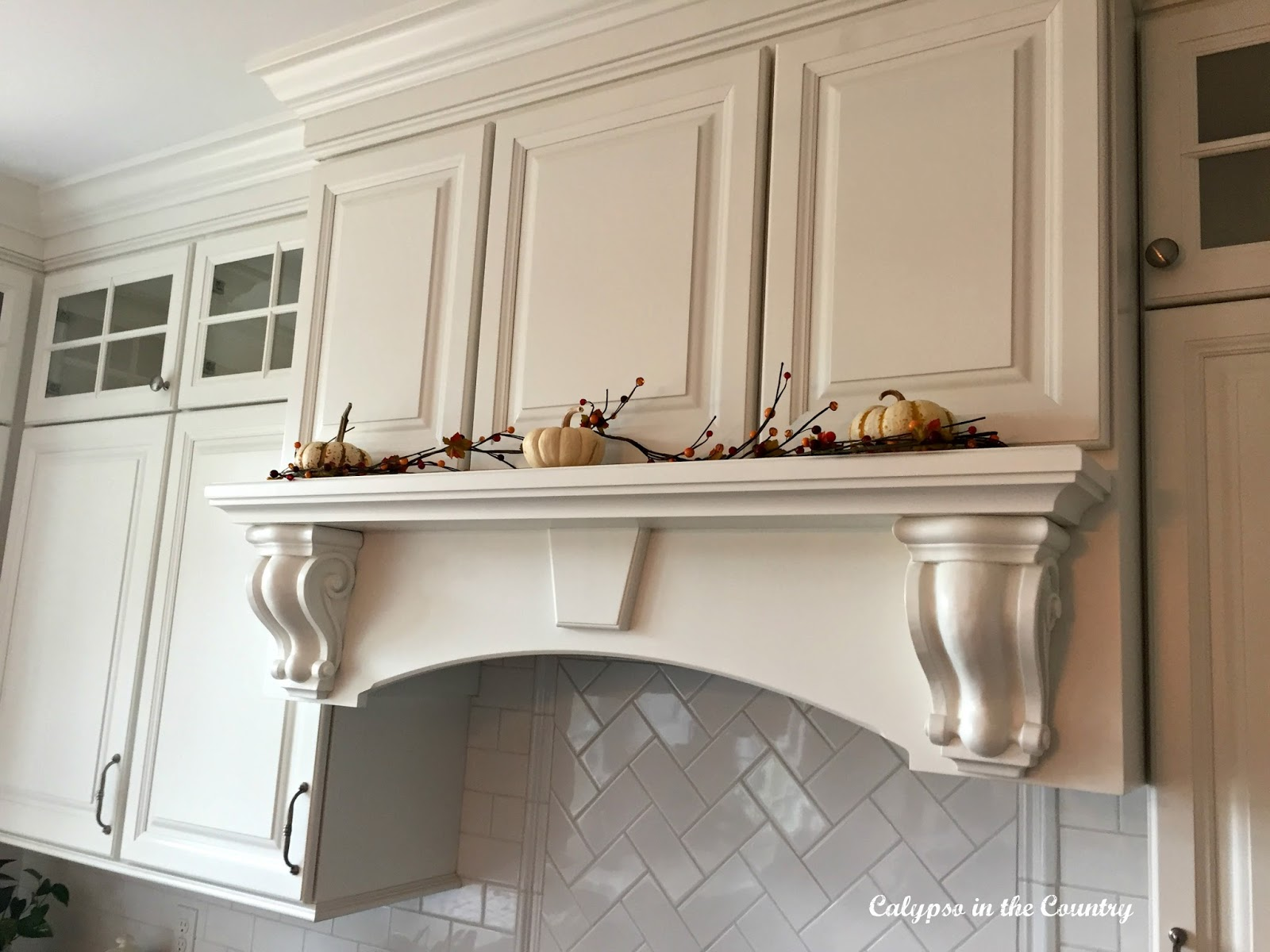 simple fall decorating ideas in the kitchen