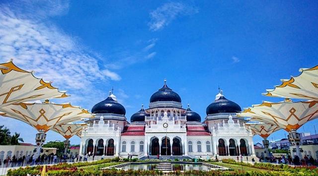 Masjid Terbesar di Indonesia yang ketiga Masjid Agung Baiturrahman Aceh