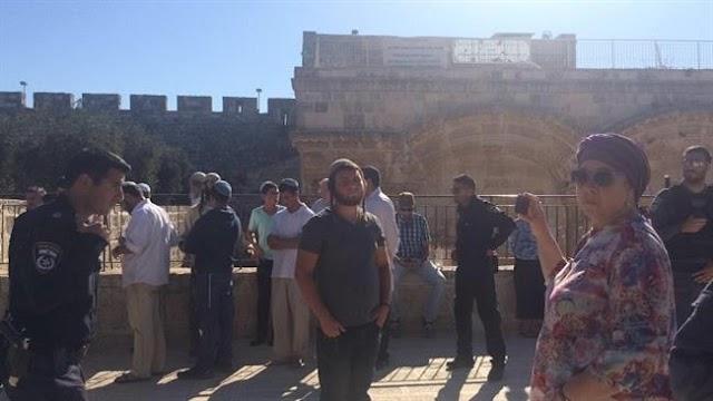 Israeli settlers, extremists attack al-Aqsa Mosque