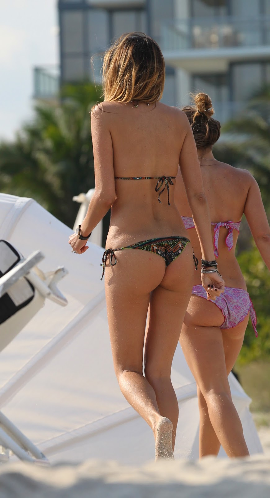 Hot Blog Post Aida Yespica Bikini Candids On The Beach In