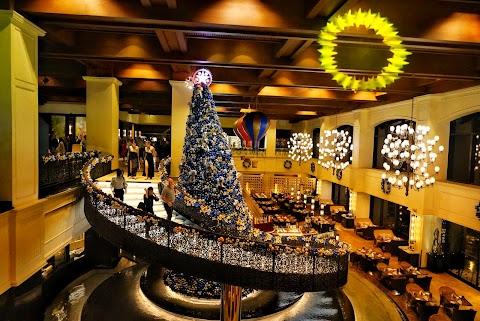 Celebrate Christmas and New Year with Sofitel Philippine Plaza Manila