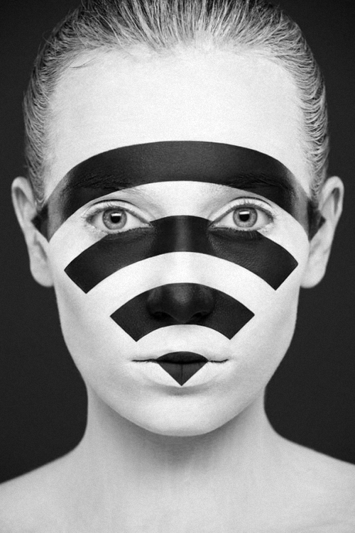 13-Alexander-Khokhlov-Black-&-White-Face-Painting-Photography