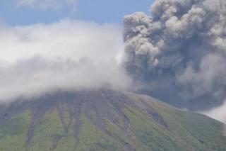 Gunung Gamalama di Maluku Utara meletus, menyusul letusan Gunung Soputan dan Krakatau
