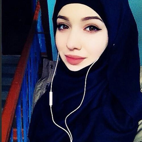 لبنانية مطلقة مقيمة ابحث عن شريك الحياة زوج رومانسي