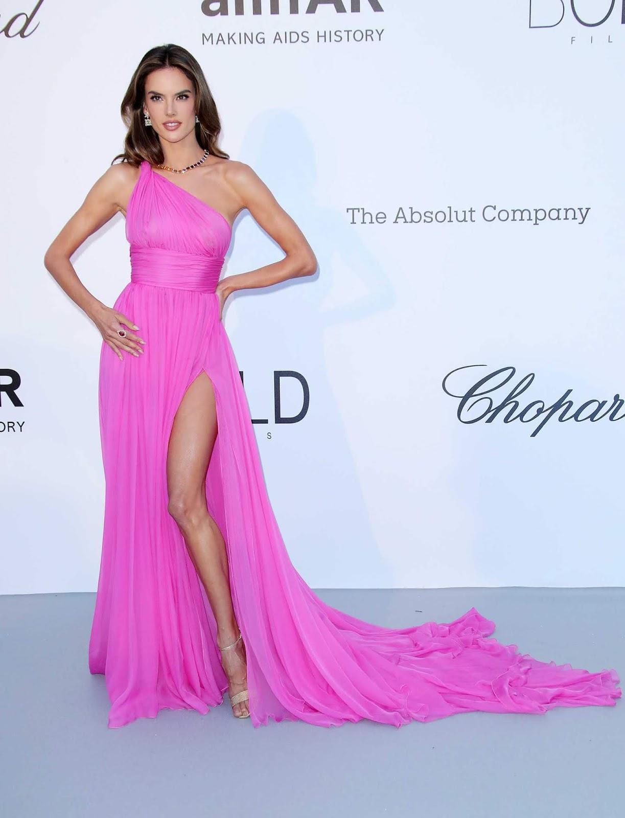 Famoso Precio Del Vestido De Boda De Oscar De La Renta Ornamento ...