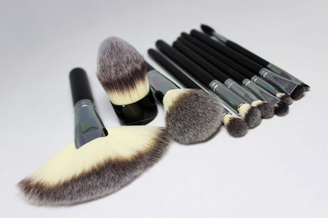 My Makeup Obsession: Review: Crown Brush New Syntho Series *