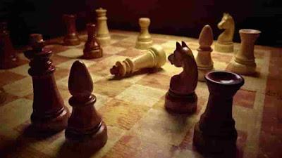 يعشق الكثير من الاشخاص ألعاب الذكاء، والشطرنج هي لعبة ذهنية تقوم على لوحة مقسمة إلى 64 مربعاً