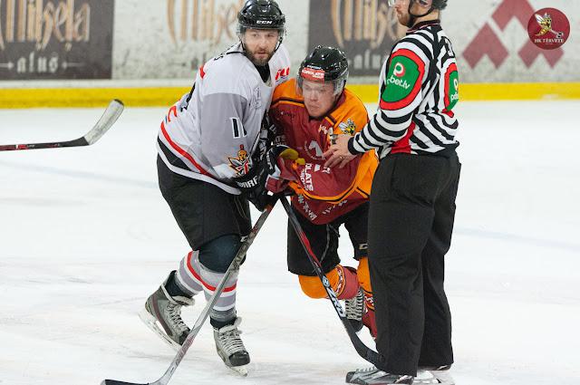 Hokejistu kontakts iemetienu zonā